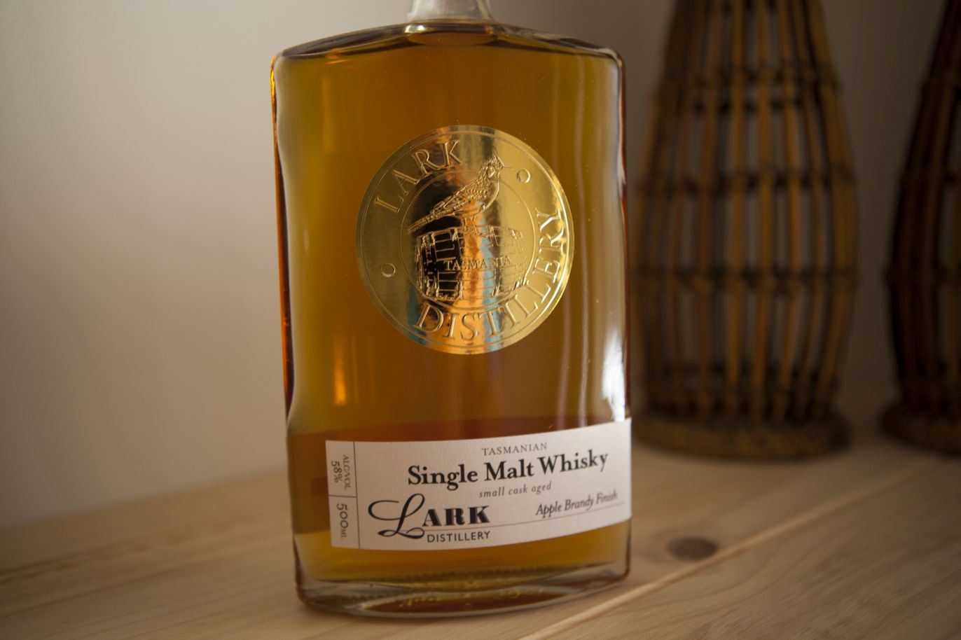 Lark for The Oak Barrel Apple Brandy Finish Whisky Review